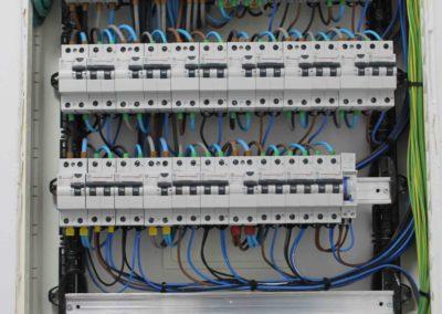instalacion-electrica-centro-estetica-electrocano2